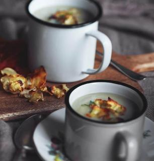 cream of Jerusalem artichoke and cauliflower soup
